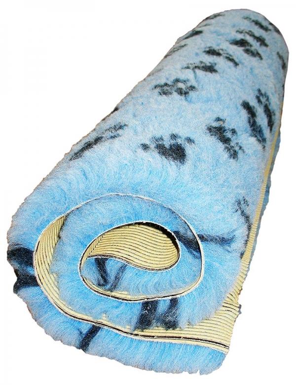 ljusblå fäll med tassar gummerad